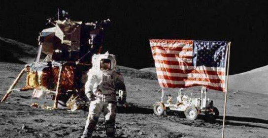 月球如今已经增重了4500吨,并非陨石造成,这一切是谁干的?