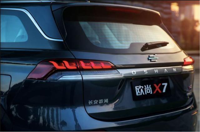上天的不仅马斯克,还有这个新生品牌上了天,这款车最值得期待