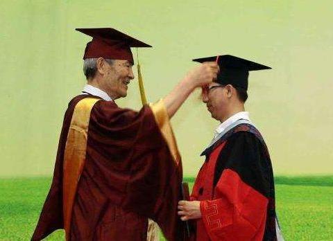 华东师范大学研究员:最好的老师带最优秀的学生