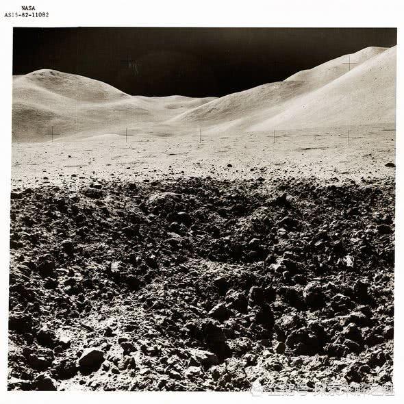 不为人知!阿波罗15号的档案照片是否揭示月球外星文明的存在?