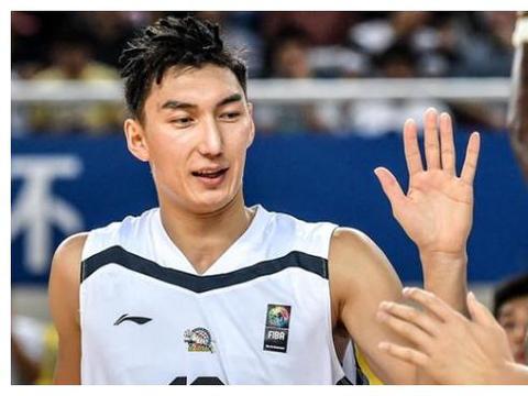 中国男篮家境最差的球员,也是唯一一个每次都向观众鞠躬的球员