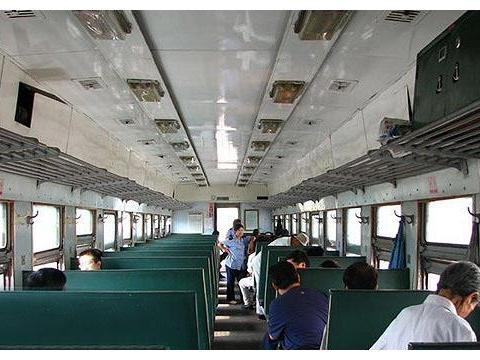 中国,日本,印度火车内部实拍,日本的已经有女性专用车厢了