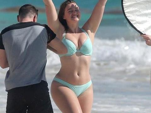 最美大码超模身材不输卡戴珊,天使面容,180斤的她红遍时尚圈!