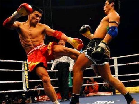 空手道、散打和泰拳,如果不限制的话,哪个更猛?