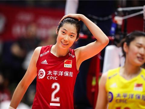 中国女排3-2险胜巴西,对备战美国反而可能会是件好事
