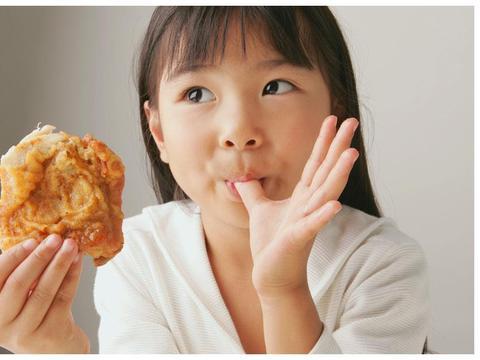 医生点名3种零食不能吃,孩子易积食不长个,家长可别不当回事!