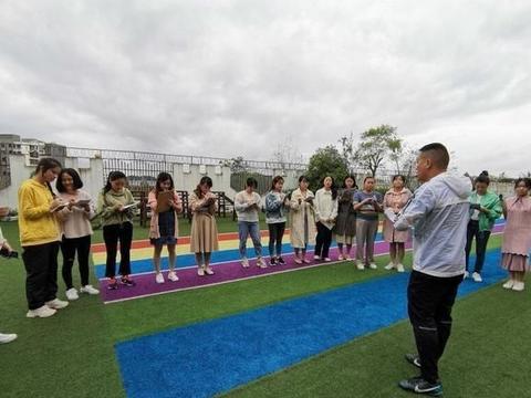 安居区第二幼儿园足球特色教研培训正式开班