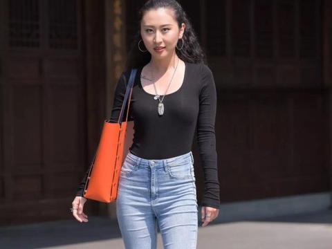 这些优雅大气的时尚穿搭,让你尽显高贵气质,适合大龄的女士!