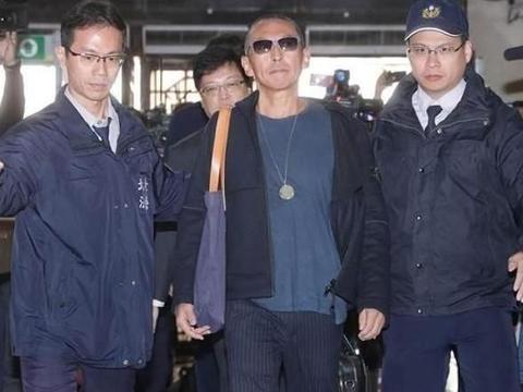 钮承泽交33万保释并被限制出境,称:此生没伤害过他人,是笨男人