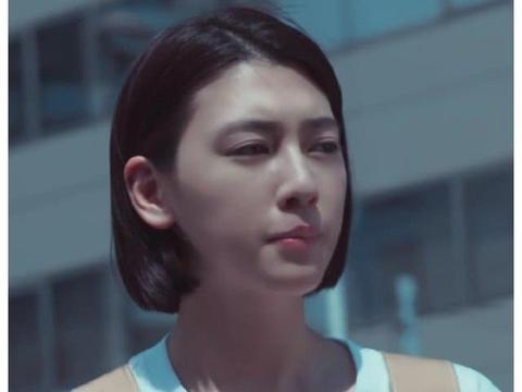 周杰伦《说好不哭》MV女主太厉害了,鞋子像画的,却非常耀眼!