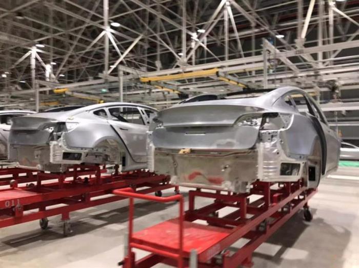 只要改善做工,国产特斯拉Model 3就成了?