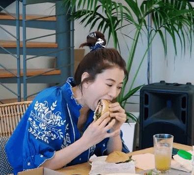 女明星吃不胖?从谢娜大口吃汉堡、章子怡一口不吃就能看出差别来
