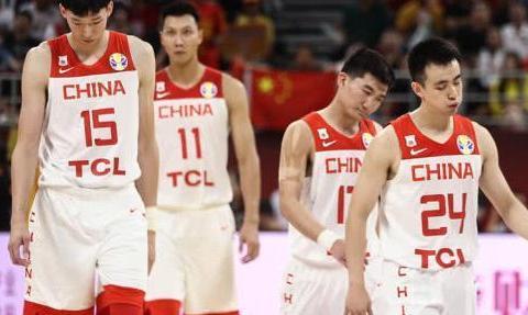 连发边线球都不会的中国男篮谈什么虽败犹荣!