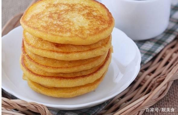 夏天就吃这早餐,玉米面加鸡蛋,拿筷子一搅,香甜可口轻松在家做