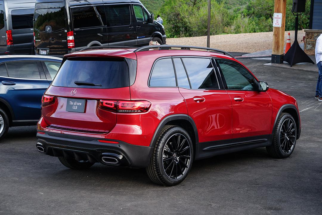 最便宜7座奔驰SUV来了,估计30万起,动力和空间有点惨…