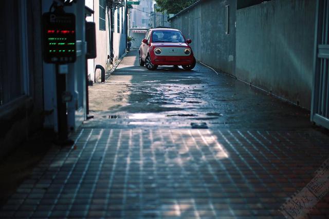 """图赏   穿梭于街巷的""""小女神"""",欧拉R1女神版"""