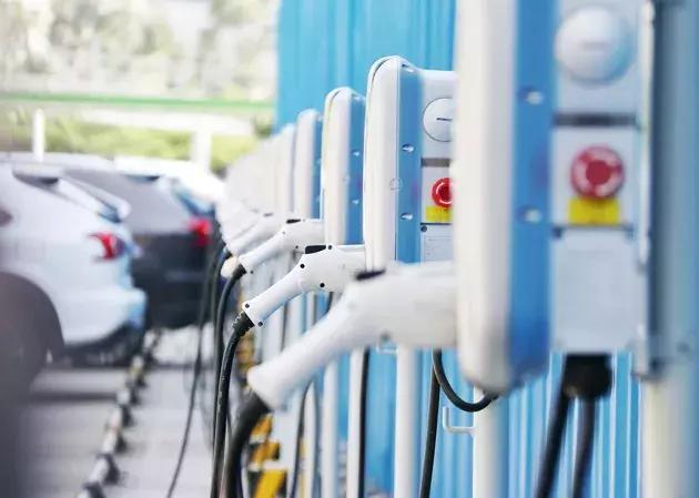 车市周周评丨赛麟迈迈打上青年汽车标,UAW组织通用4.8万人罢工