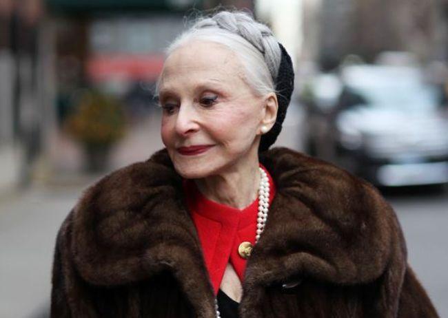 情感测试:凭直觉,哪个老太太看起来有钱?测你靠什么养活自己?