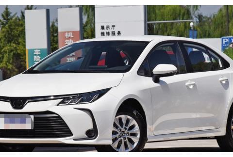 车主放弃奕泽和亚洲龙,最后选了这款丰田车,性价比太高了!