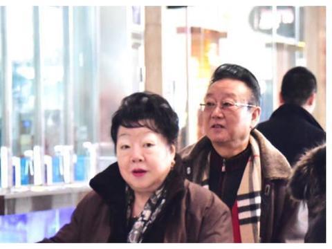 歌唱家蒋大为72岁了,被曝全家移民加拿大,女儿也是十分优秀