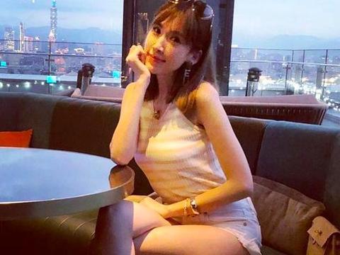 陈若仪生活像贵妇,林志颖老婆穿皮裤,与闺蜜共享下午茶