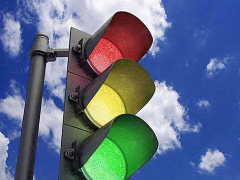 红绿灯怎么走?新手司机快过来围观!