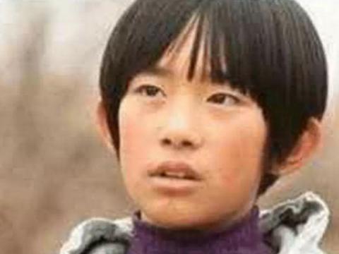 明星童年照热巴像洋娃娃,刘亦菲从小美到大,看到千玺确定是本人