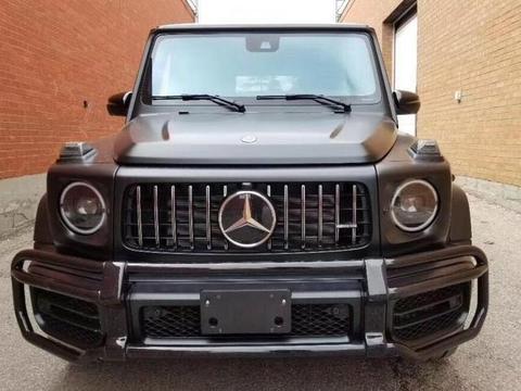 首提新款柴油版奔驰G,落地近200万,车主:哑光黑车身最帅气