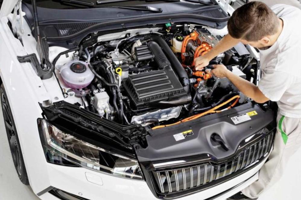 斯柯达首款插电混动车型速派iV量产 纯电续航56km
