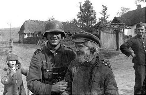 二战,苏联人在前期算是从某种程度上帮助了德国人?