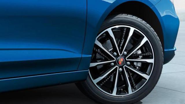 7-10万级轿车优质之选:新款荣威i5于9月26日上市,典型高配低价