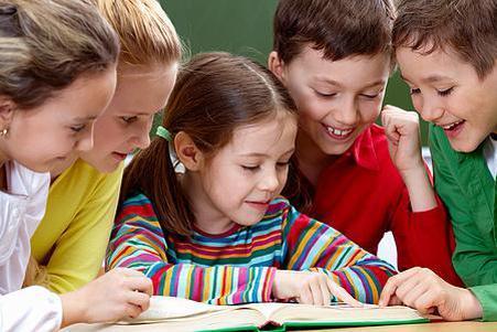 七成中小学生有课外辅导班,睡眠不足8小时,家长们怎么看?