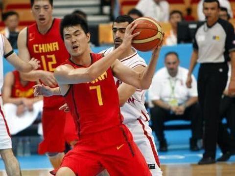 王仕鹏:男篮球员有人世界杯出现失眠,国家队应配备随队心理医生