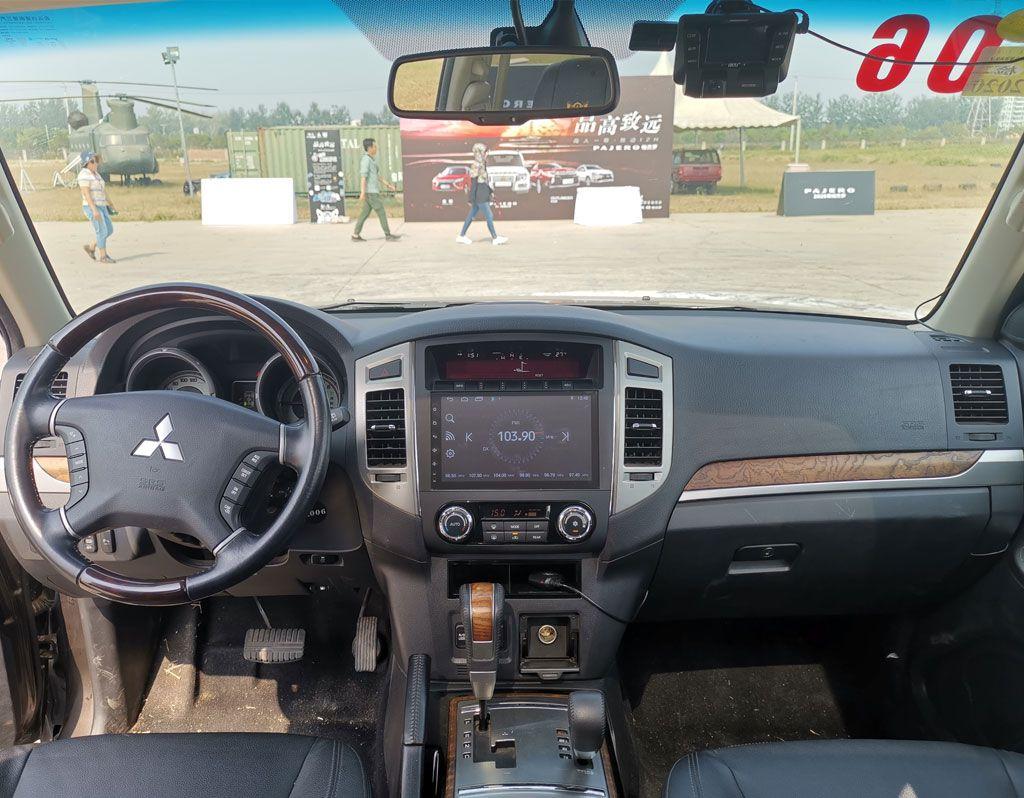 矫健如猫、迅猛如豹,3.0L V6三菱帕杰罗满足你对SUV的一切需求