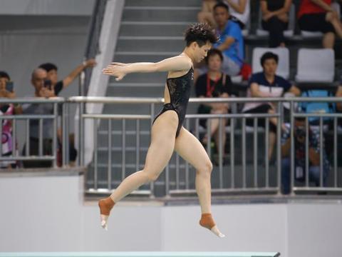 罕见走板失误仍夺全锦赛单双人金牌,施廷懋距离东京奥运越来越近