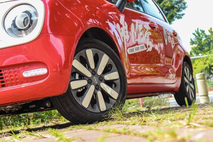 女神驾到!年轻人第一台纯电动车,欧拉R1到底有多香?