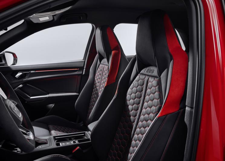 动力升级,新奥迪RS Q3官图发布,百公里加速仅为4.5秒