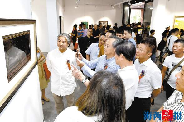 省美协漆艺委新作展在厦举行 70余件福建漆画展出