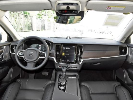 新款沃尔沃V90CC上市,售价44.39万元起