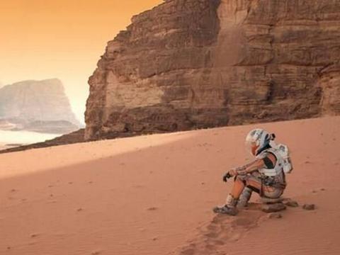 """真实的""""火星救援"""":宇航员出任务被遗忘在太空,311天后才获救"""