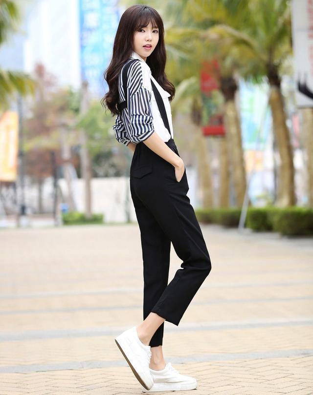休闲裤穿出时髦风,宽松遮肉穿出自由风,轻熟性感有气质