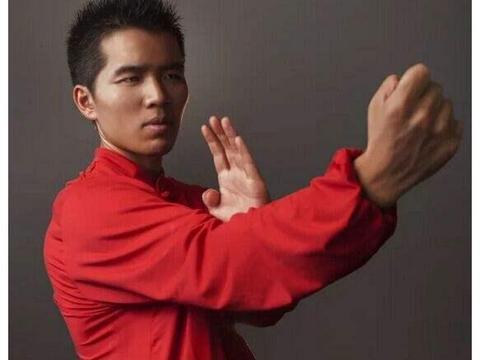 咏春余昌华:我与徒弟丁浩联手地球无人能敌!拳迷:说的是脸皮吧