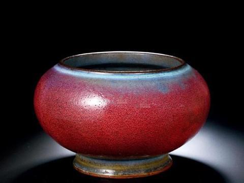 钧窑葡萄紫釉瓷葵花式花盆——桌上摆设