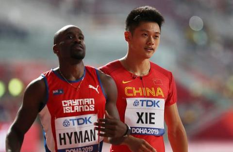 世锦赛百米预赛苏炳添10秒21 携谢震业进半决赛