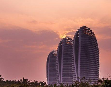 三亚凤凰岛沦落40亿卖身,挥手东方迪拜说再见