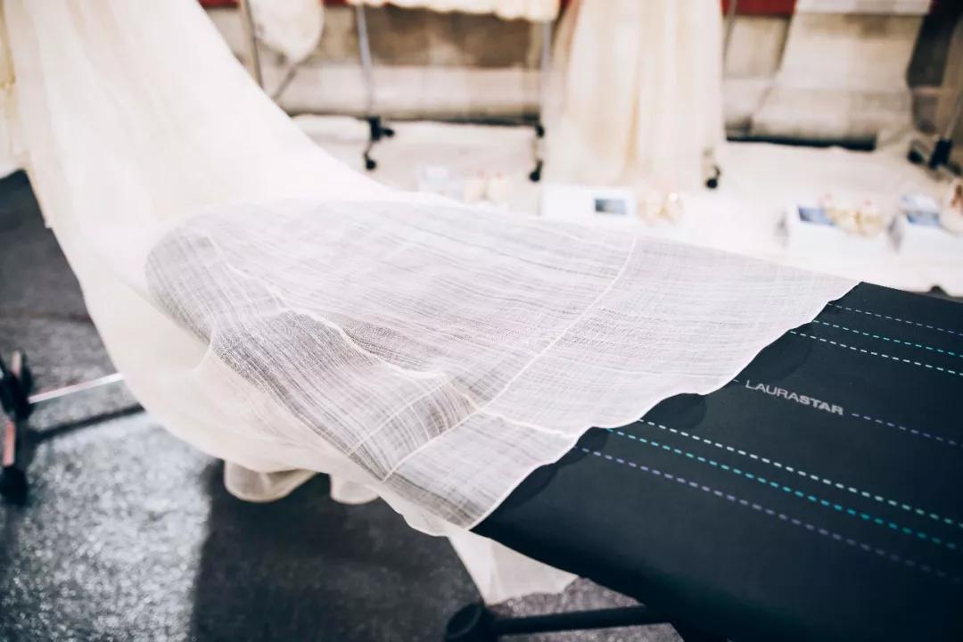 瑞士高端熨烫LAURASTAR,高定设计师信赖的衣护伙伴!