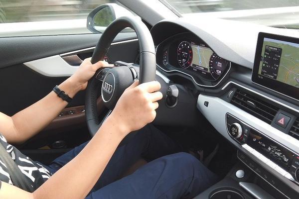 视频:王工评价奥迪A4L的转向手感:电子味略重稳定性好