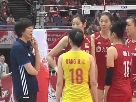 中国女排打出疯狂11比1,阿根廷主帅在场边很无奈,确实是冠军范