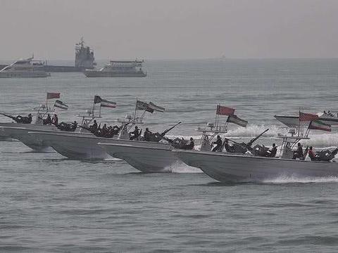 51支舰队部署海峡,伊朗:要打就打全面战争,伊朗男人绝不畏缩