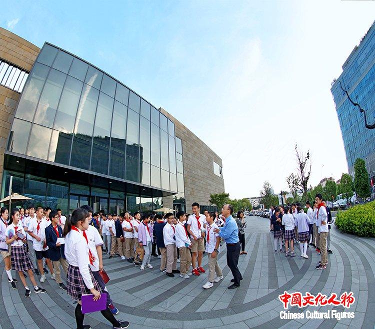"""""""走进水墨家园:我们眼中的李小可""""展览学术讲座在上海成功举办"""